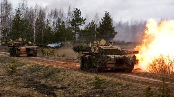 Основной боевой танк США M1A2 Abrams на международных учениях Summer Shield XIV - Sputnik Латвия