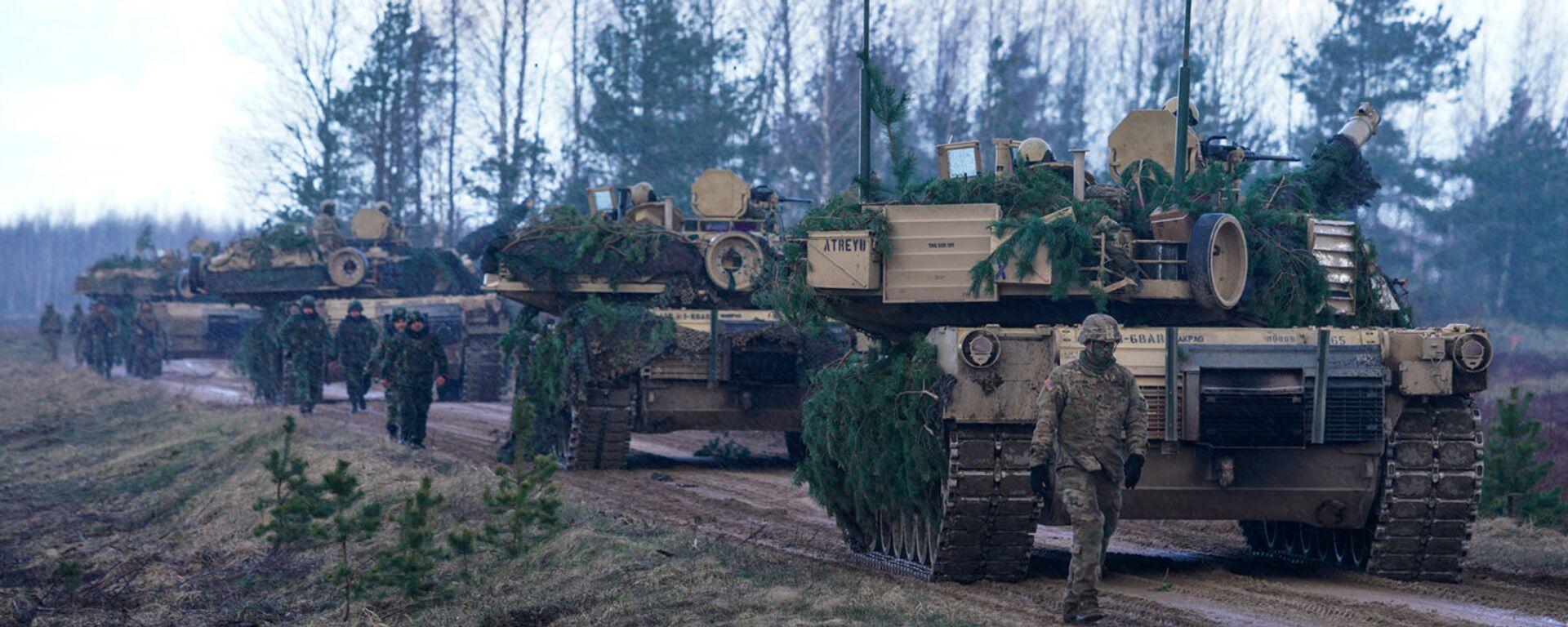Основной боевой танк США M1A2 Abrams на международных учениях Summer Shield XIV - Sputnik Латвия, 1920, 04.09.2021