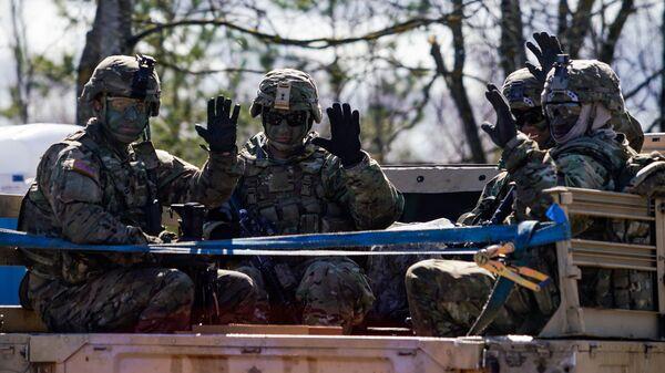 Американские военные передают привет - Sputnik Латвия