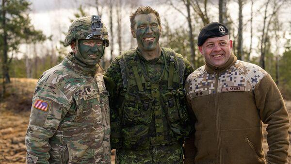 Американский, канадский и латвийский военные на международных учениях Summer Shield XIV - Sputnik Латвия