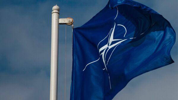 Флаг Организации Североатлантического договора (НАТО) - Sputnik Latvija