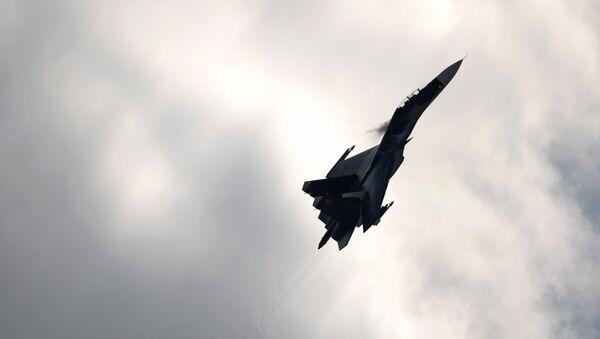 Истребитель Су-27 - Sputnik Латвия
