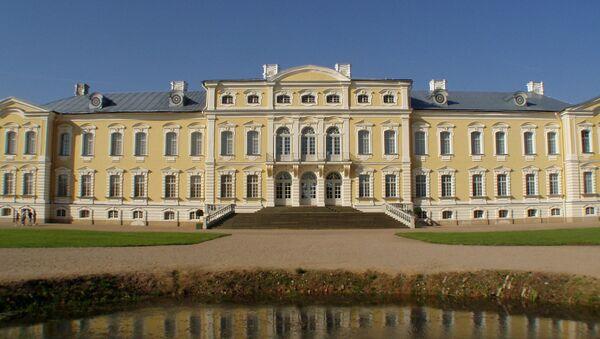 Рундальский замок в Латвии - Sputnik Латвия