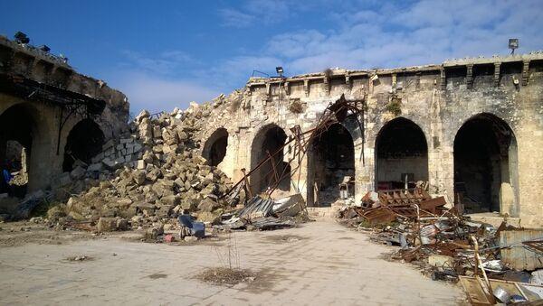Sagrautā Omeijādu mošeja Alepo. Foto no arhīva - Sputnik Latvija