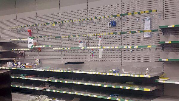 Пустые полки в супермаркете Prisma - Sputnik Латвия