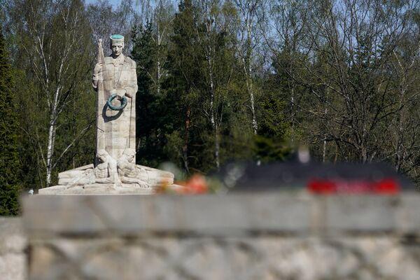 Братское кладбище в Риге - Sputnik Латвия