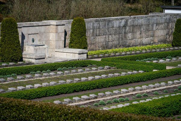 Рижское Братское кладбище — крупнейшее воинское кладбище в Латвии - Sputnik Латвия
