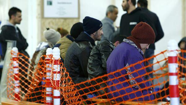 Первая регистрация беженцев в Эрдинге, Германия - Sputnik Латвия