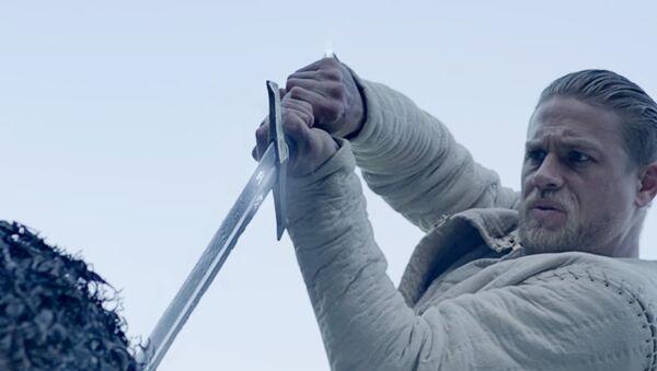 Скриншот трейлера фильма Гая Ричи Меч короля Артура - Sputnik Латвия