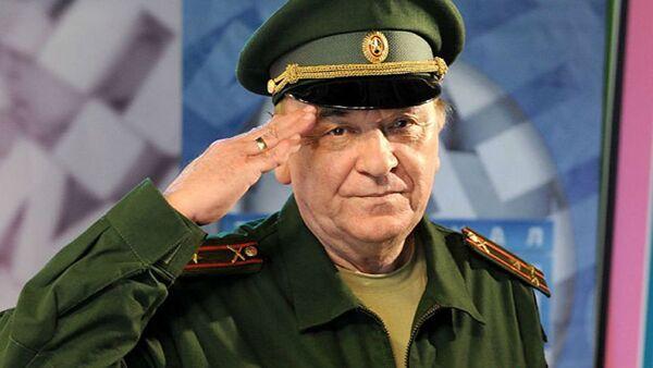 Российский эксперт, военный обозреватель газеты Комсомольская правда, полковник Виктор Баранец - Sputnik Латвия