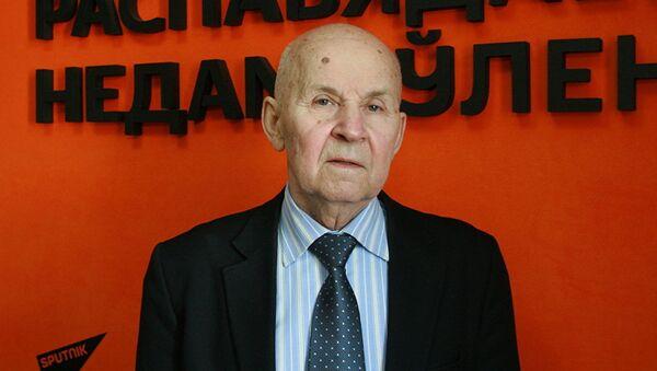 Специалист в области климатологии, академик Владимир Логинов - Sputnik Латвия