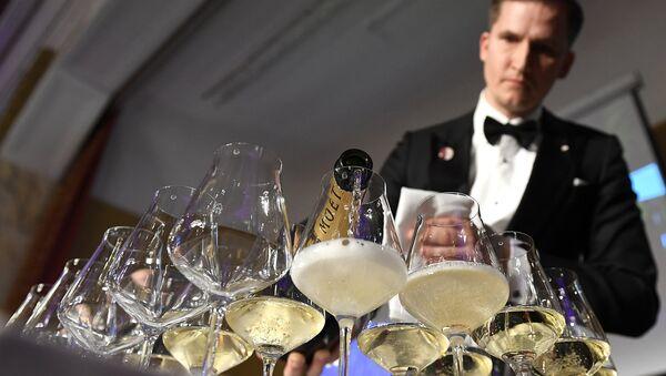 Главный сомелье ресторана Vincents Раймондс Томсонс на конкурсе Sommelier EM 2017 в Вене, Австрия - Sputnik Латвия