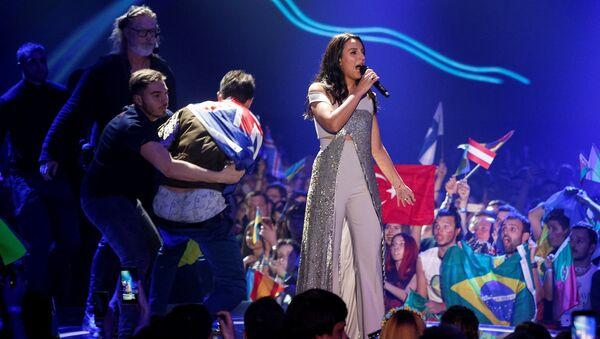 Украинская певица Джамала во время финала конкурса песни Евровидение 2017 - Sputnik Латвия