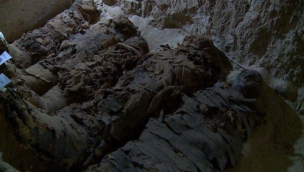 Археологи нашли в Египте 17 мумий - Sputnik Латвия