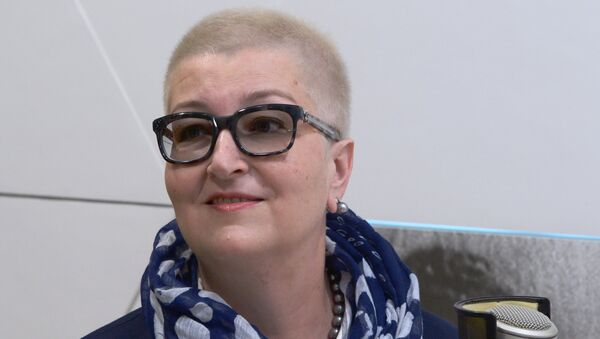 Писатель, теле- и радиоведущая Татьяна Устинова - Sputnik Латвия