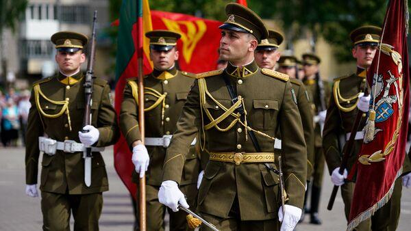 Парад Литовской армии в Паневежисе - Sputnik Латвия