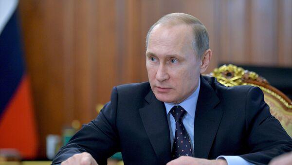 Президент РФ В. Путин провел совещание по экономическим вопросам - Sputnik Латвия