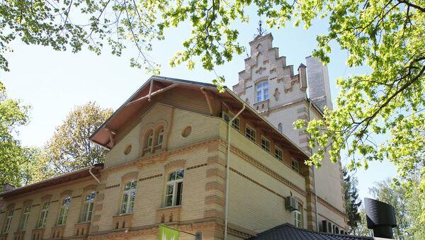 Здание бывшей лечебницы доктора Шенфельдта - Sputnik Латвия