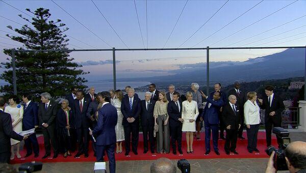 Групповое фото на G7 - Sputnik Латвия