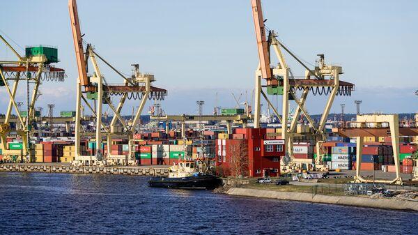 Контейнерный терминал в Рижском порту - Sputnik Latvija