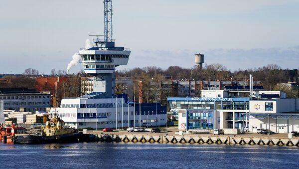 Управление Рижского порта и Башня управления движения судов - Sputnik Латвия