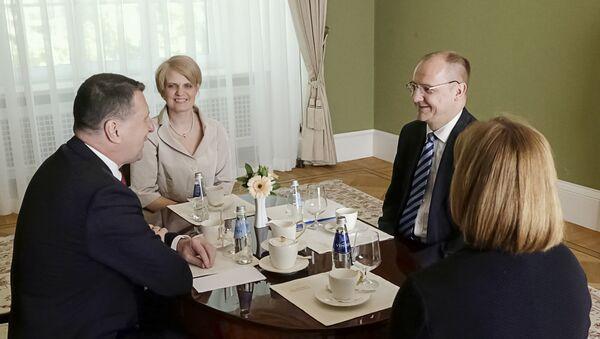 Новый посол Эстонии в Латвии Раймондс Янсонс на встрече с президентом Латвии Раймондсом Вейонисом - Sputnik Латвия