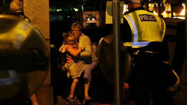 Полиция на месте происшествия в Лондоне, 4 июня 2014 - Sputnik Латвия