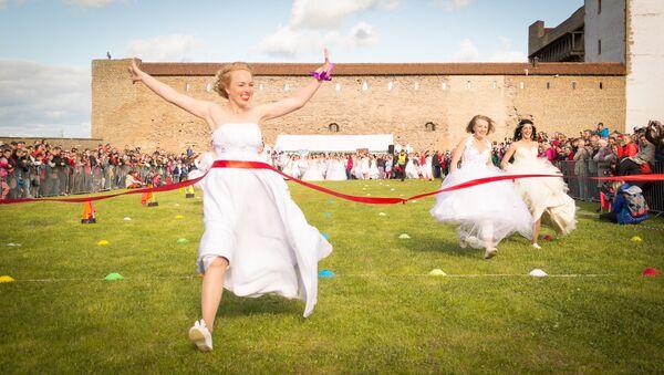 Забеги невест - Sputnik Латвия