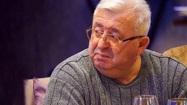 Шеф-редактор интернет-портала Мобильные телекоммуникации Леонтий Букштейн - Sputnik Латвия