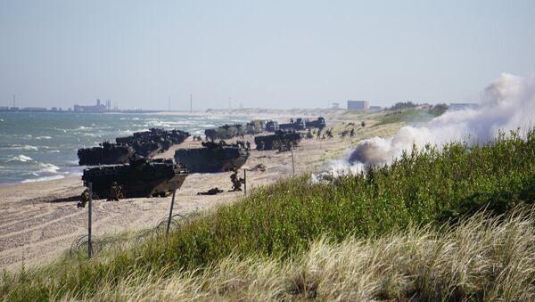 Высадка американского десанта возле Вентспилса в рамках учения BALTOPS - Sputnik Латвия