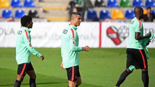 Тренировка португальской сборной - Sputnik Латвия
