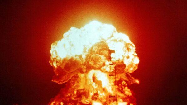 Ядерные испытания в США - Sputnik Latvija