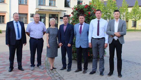 Члены коалиции екабпилсской думы - Sputnik Латвия