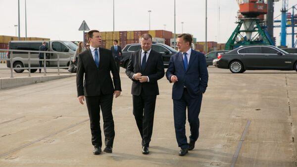 Премьер-министры Эстонии, Литвы и Латвии на встрече по вопросу Балтийского строительства СПГ-терминала - Sputnik Латвия