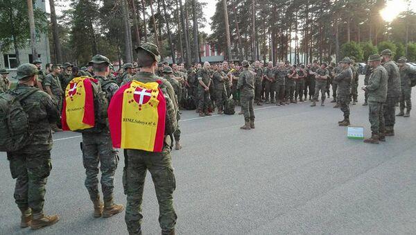 Испанские военные прибыли в Латвию - Sputnik Латвия