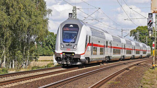 Двухэтажный поезд - Sputnik Латвия