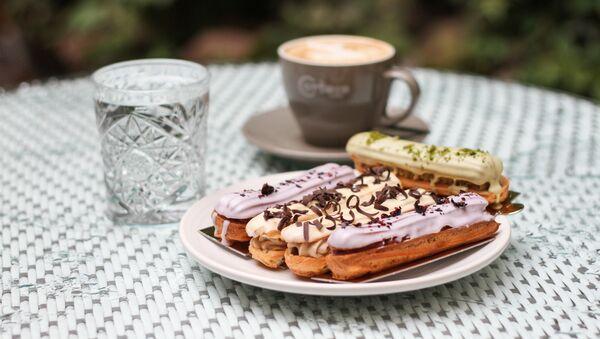 Кондитерская Bakeberry - классические нежные эклеры с натуральными вкусами - Sputnik Латвия