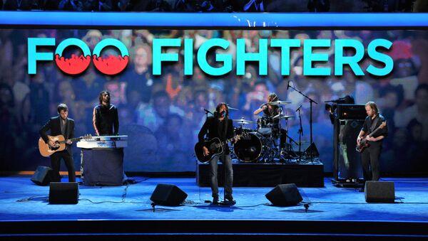 Группа Foo Fighters выступает на Time Warner Cable Arena в Шарлотте, Северная Каролина - Sputnik Латвия