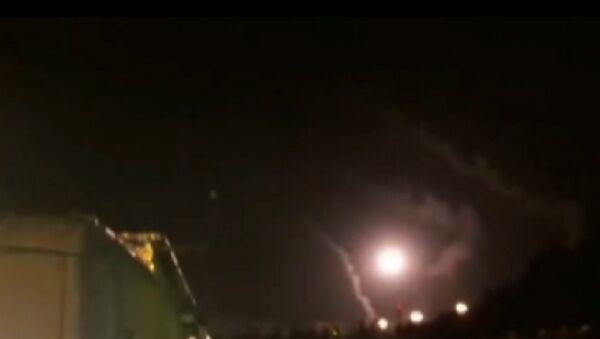 Irāna izdarījusi raķešu uzbrukumu kaujiniekiem Sīrijā - Sputnik Latvija
