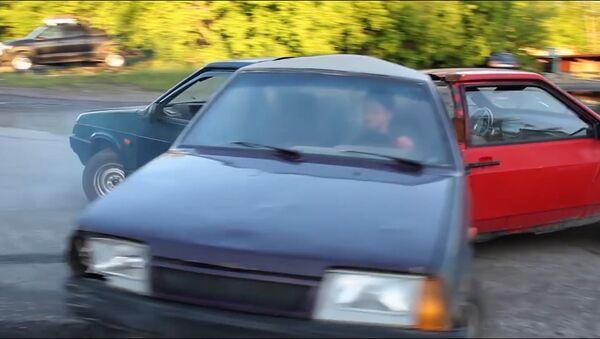 Спиннер из автомобилей - Sputnik Латвия