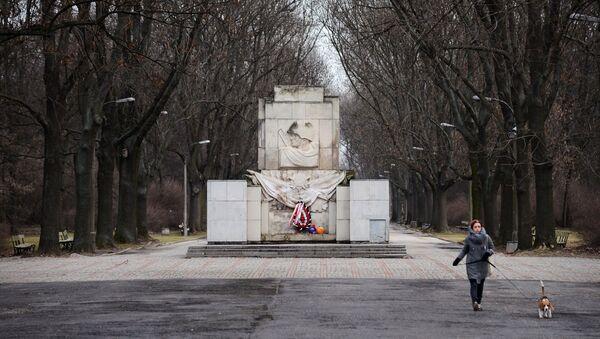Pateicības piemineklis Sarkanajai Armijai Varšavā. Foto no arhīva - Sputnik Latvija