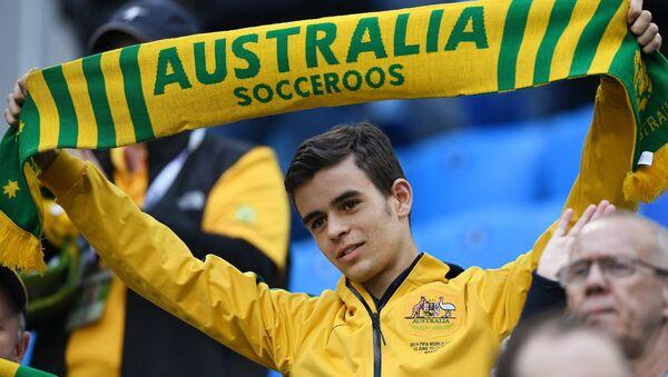 Болельщик сборной Австралии во время матча Кубка конфедераций-2017 по футболу между сборными Камеруна и Австралии - Sputnik Латвия