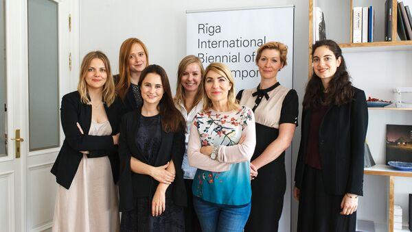 Команда Рижской биеннале - Sputnik Латвия