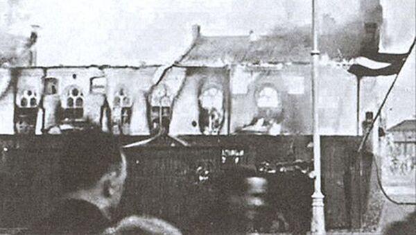 Сожжение хоральной синагоги в Риге в 1941 году - Sputnik Latvija