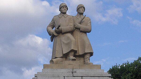 Памятник воинам Советской Армии и Войска Польского, Польша - Sputnik Латвия