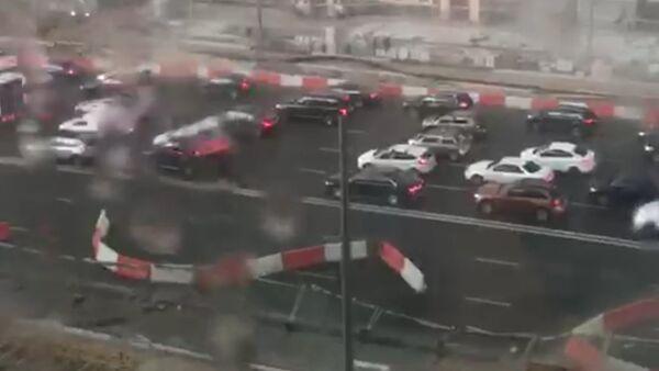 Шторм в Москве вызвал затор на Садовом кольце - Sputnik Латвия