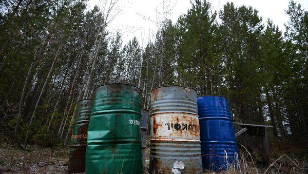 Нефтедобыча и коренные народы: конфликт интересов - Sputnik Латвия