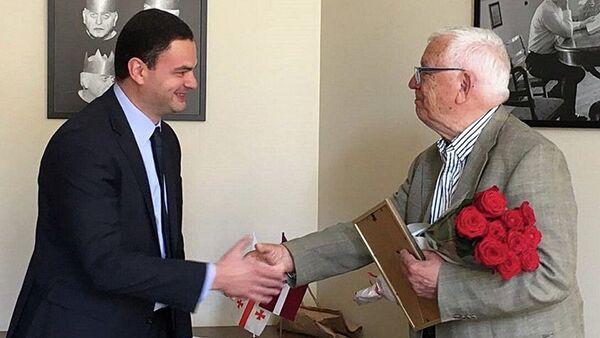 Посол Грузии в Латвии Таймураз Джанджалия и Раймонд Паулс - Sputnik Латвия