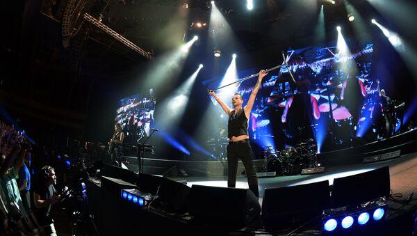 Солист группы Depeche Mode Дэйв Гaан - Sputnik Латвия