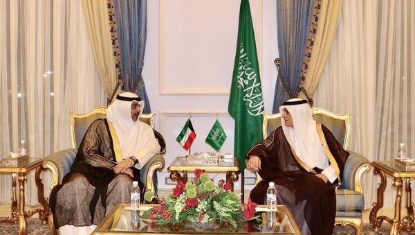 Глава МИД Саудовской Аравии Адиль аль-Джубейр и эмир Кувейта шейх Сабах аль-Ахмед аль-Джабер ас-Сабах - Sputnik Латвия